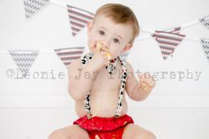 first birthday cake smash photo shoot.  Outfit by me